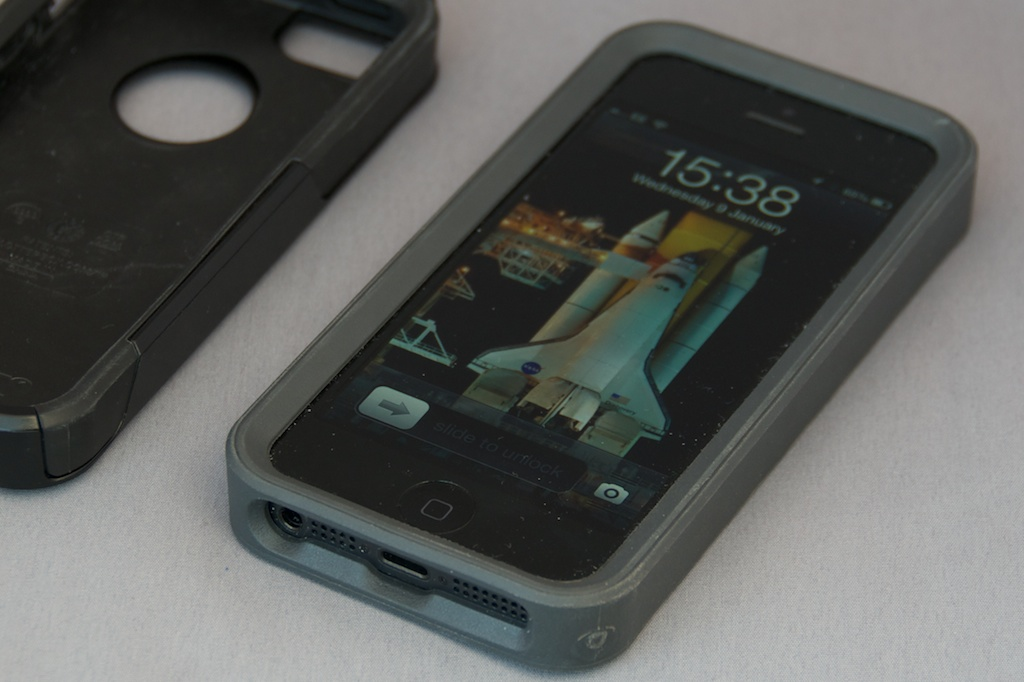 Open Otterbox Iphone