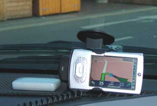The Tomtom palm carkit mount in use